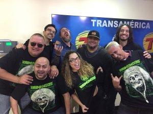 O quarteto de Brasília também participou do programa Transalouca, pela rádio Transamérica, com Rodrigo Pizcyoneri, Micheli Machado e os humoristas Fuzil e Gavião