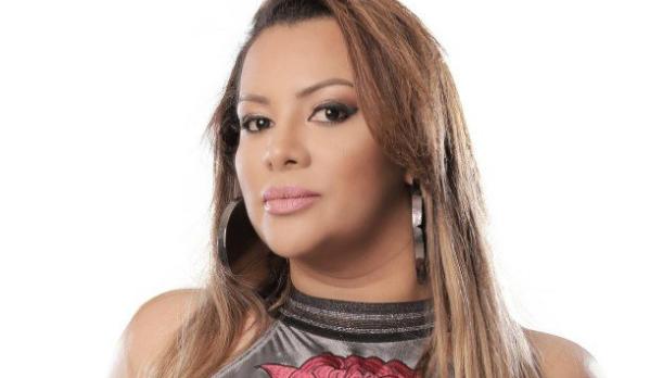 """46de560d1 A cantora Márcia Fellipe promove em todas as plataformas digitais o EP  """"Chega de Conversa (Ao Vivo)"""", lançado na semana passada."""