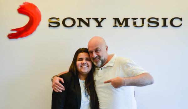 Yasmin Santos e Paulo Junqueiro, Presidente da Sony Music Brasil