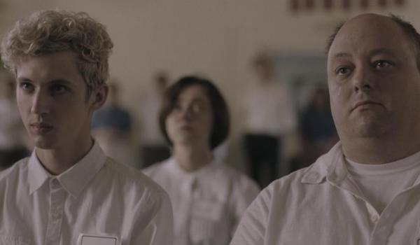 """Troye Sivan e David Ditmore no longa """"Boy Erased"""""""