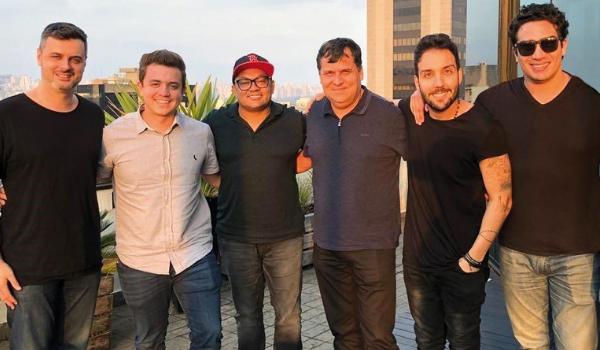 Os sócios/diretores da Nova Bookings: Felippe Senne, Filippe Risse, Toninho Santos, Wander Oliveria, Rafael Brahma e Alberto Bahia